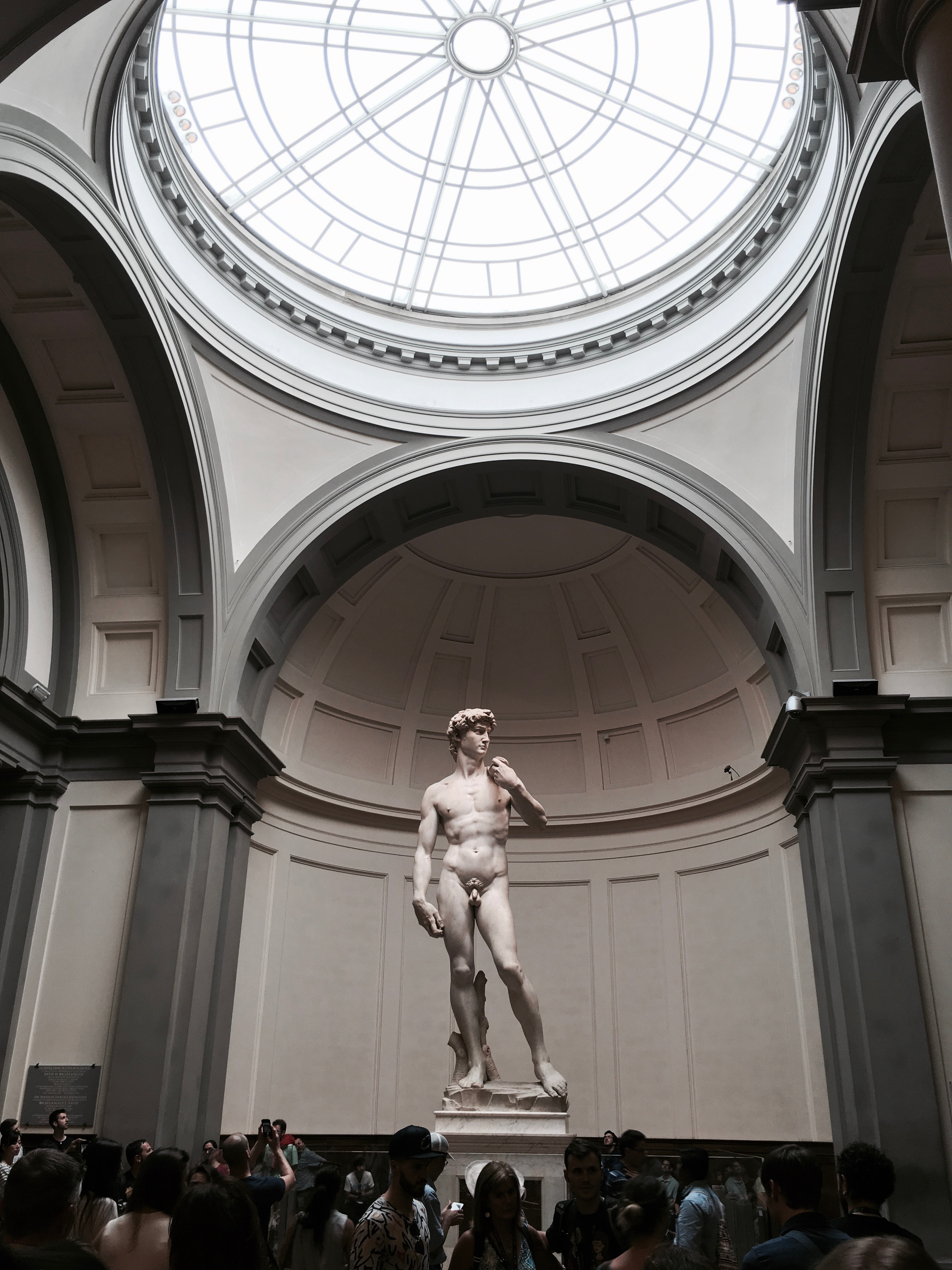 Che bella italia fallow travels michelangelos david catching the crowds attention in florence sciox Image collections